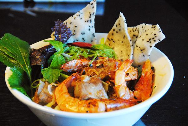 ダナンミークワンレストランベトナム料理麺