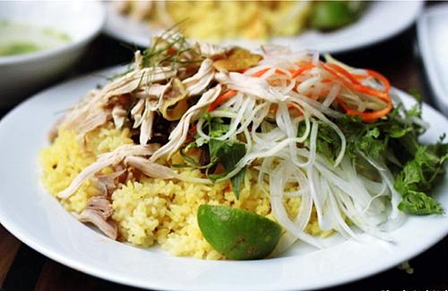 ダナンレストランベトナム料理コムガーホイアン観光
