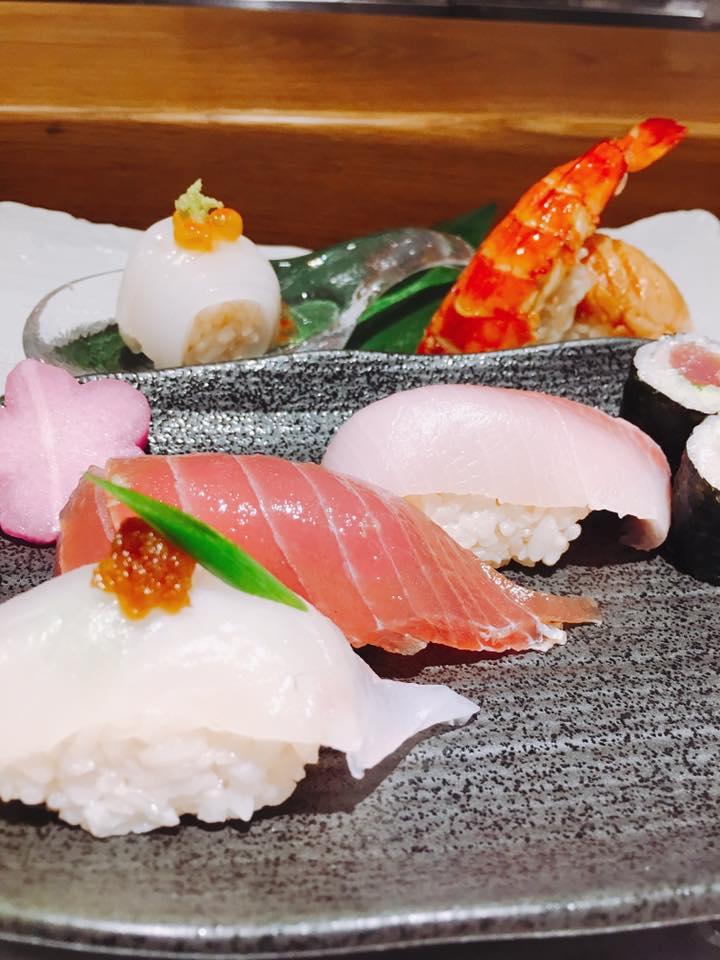 ダナン観光レストランシーフード寿司刺身
