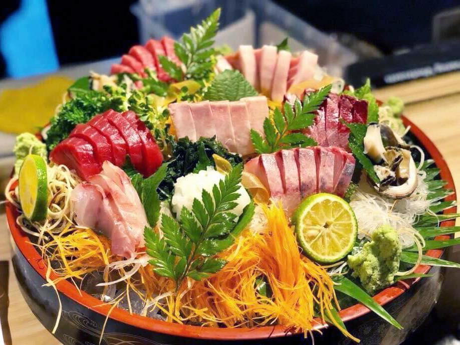 刺身日本食ベトナムダナンレストラン